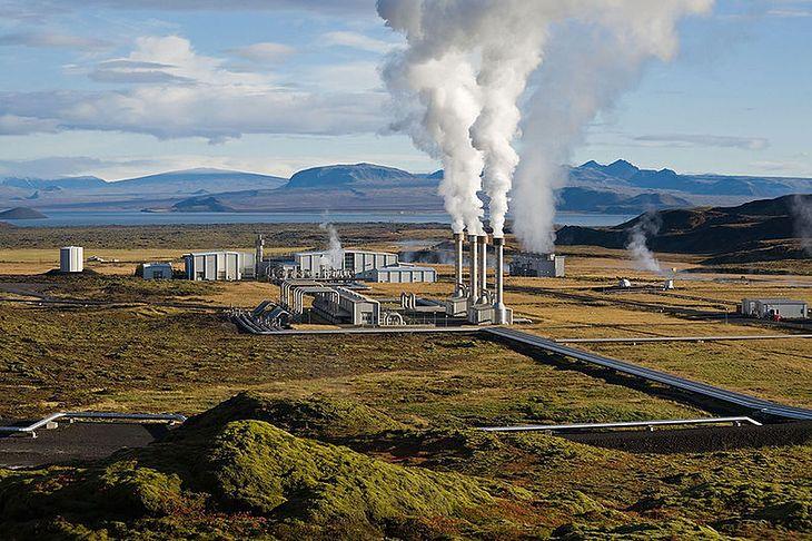 Elektrownia Nesjavellir (fot. Wikimedia Commons)
