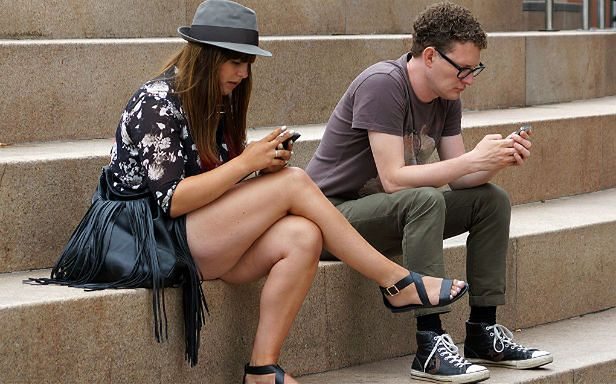 Do czego nam służą smartfony? (Fot. Flickr/ hehaden/Lic. CC by-sa)