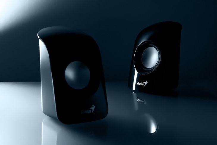 Niewielkie głośniki 2.1 zmieszczą się niemalże na każdym biurku