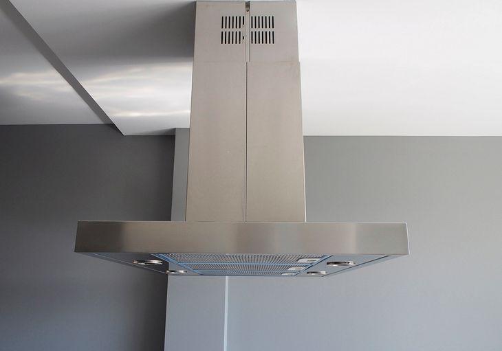 Zróżnicowane pod względem wyglądu i parametrów okapy kuchenne mogą kosztować mniej niż 350 zł