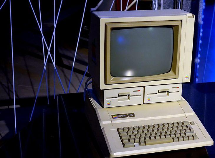 Schemat prototypu komputera Apple II autorstwa Steve'a Wozniaka sprzedany na aukcji za 630 tysięcy dolarów