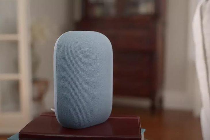Nest Audio na pierwszy rzut oka wygląda jak… bochenek chleba.