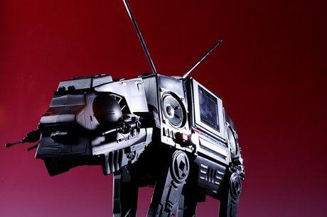 Maszyna krocząca z Gwiezdnych Wojen jako boombox