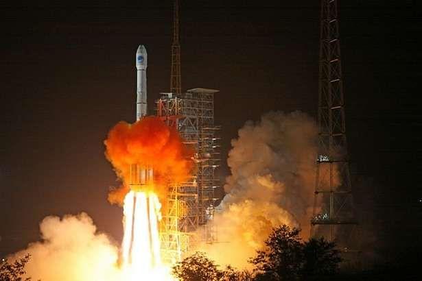 Start rakiety, która w listopadzie 2010 roku wyniosła na orbitę satelitę systemu Beidou (Fot. Gizmag.com)