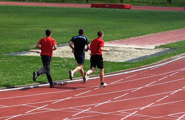 Wiosna - dobry okres na bieganie (fot.: sxc.hu)