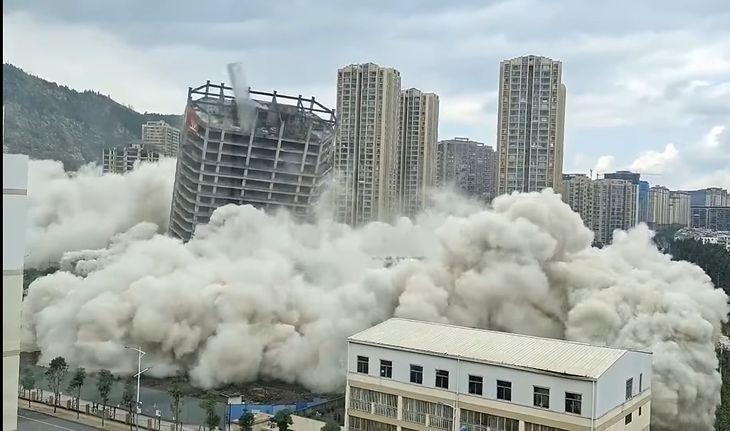 W Chinach jednorazowo wyburzono 15 budynków