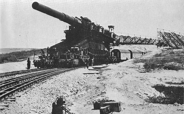 80 cm Kanone 5na stanowisku bojowym