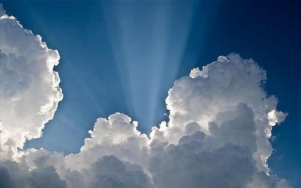 Chmura - czy nadal kojarzy się tylko z deszczem? (Fot. Flickr/flickrohit/Lic. CC by-sa)