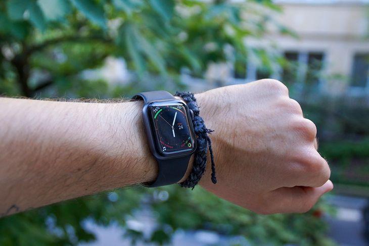 Apple Watch czwartej generacji ma większy ekran od poprzednika
