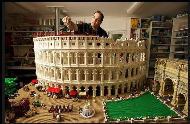 Koloseum z 200 tys. klocków (Fot. eBay Free Legos)