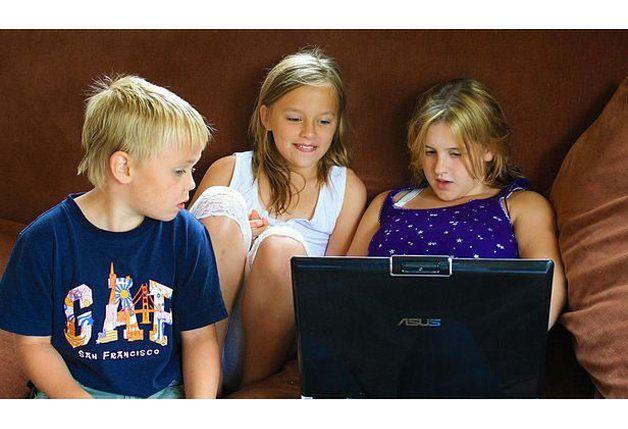 Edukacyjne gry komputerowe rozwijają wyobraźnię dzieci.