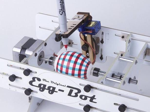 Egg-Bot (Fot. Geek.com)