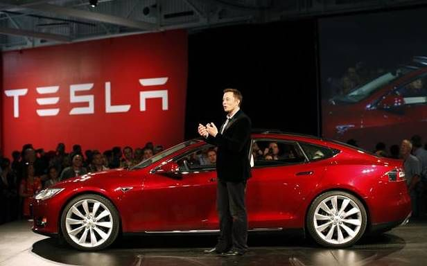 Elon Musk i Tesla Model S