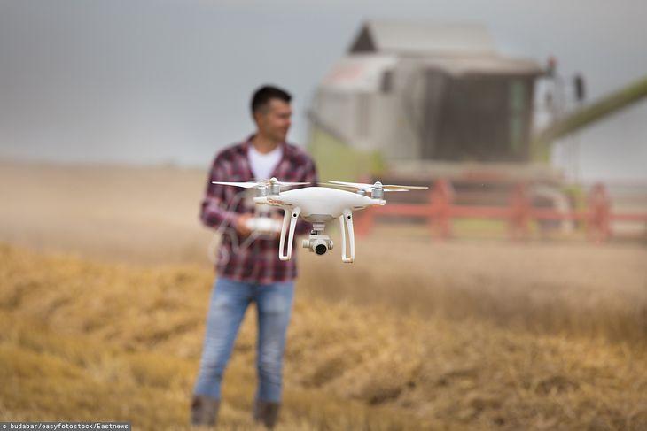 Dron wykorzystywany w rolnictwie