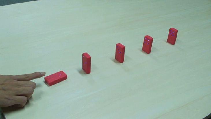 Elektroniczne domino