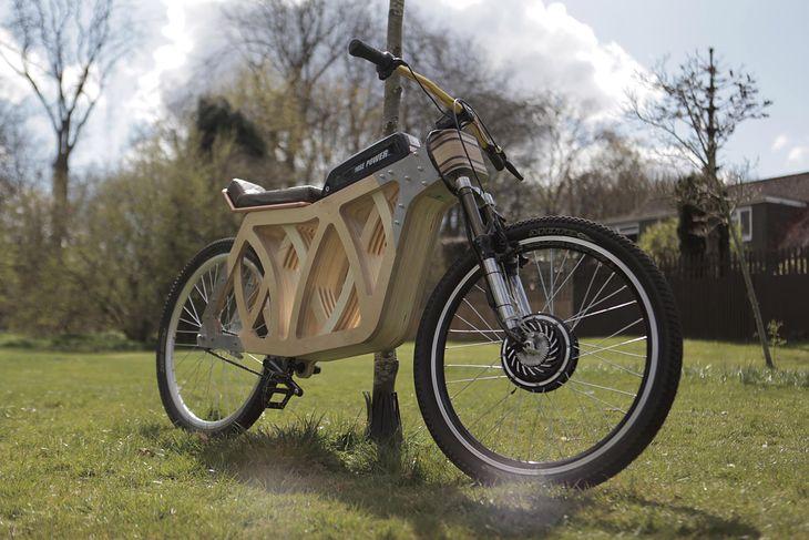 Electraply - elektryczny rower z drewna