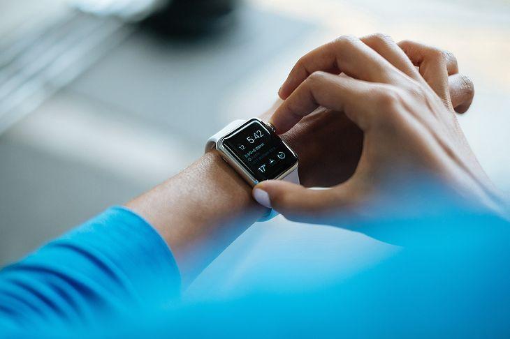Nowoczesny smartwatch to dobry prezent na święta