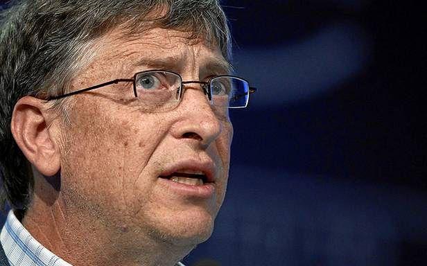 Bill patrzy na nas z jednego z produktów Microsoftu (Fot. Flickr/World Economic Forum/Lic. CC by-sa)