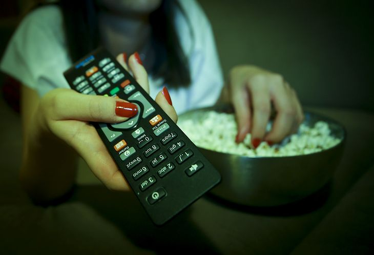 Przez koronawirusa filmy debiutują nie w kinach, lecz internecie.