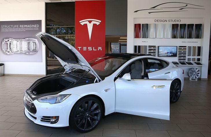 Samochód Tesla Model S