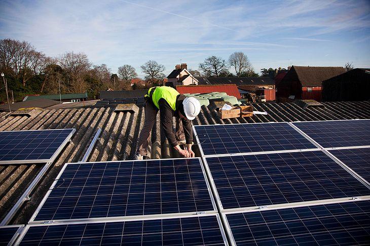 Montaż instalacji fotowoltaicznej, pokrycie dachowe