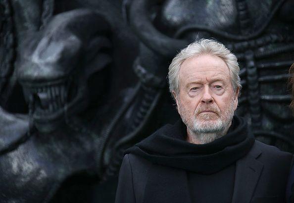 "Ridley Scott - reżyser kultowego filmu ""Obcy""."