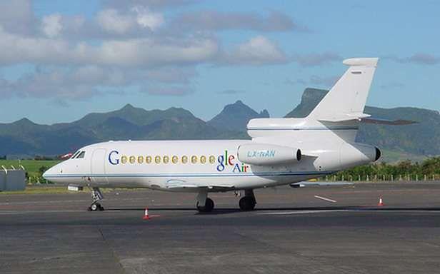 Samolot Larry'ego Page'a (Fot. BestSnippets.com)