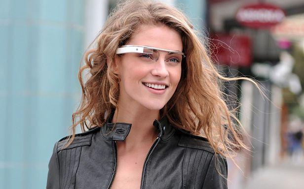 Na modelce Google'a okulary prezentują się nieźle (Fot. Google)