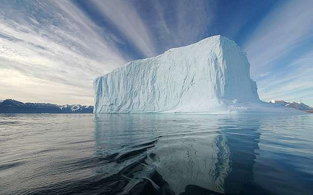 Góra lodowa (Fot. Flickr/Rita Willaert/Lic. CC by)
