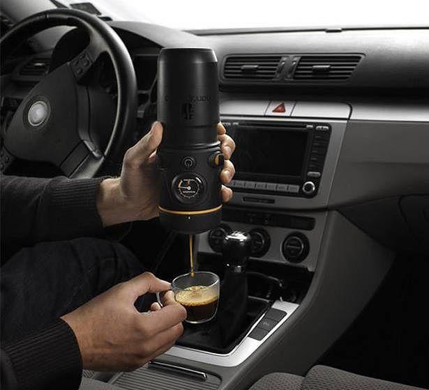 Handspresso Auto - samochodowy ekspres do kawy (Fot. Handspresso.com)