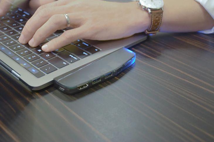 Hub USB, HDMI i czytnik kart z wbudowanym SSD? Czemu nie