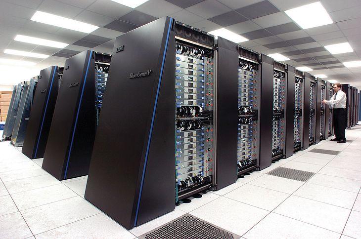Superkomputer IBM Blue Gene/P w Państwowym Laboratorium w Argonne, źródło: Państwowe Laboratorium w Argonne, licencja Creative Commons