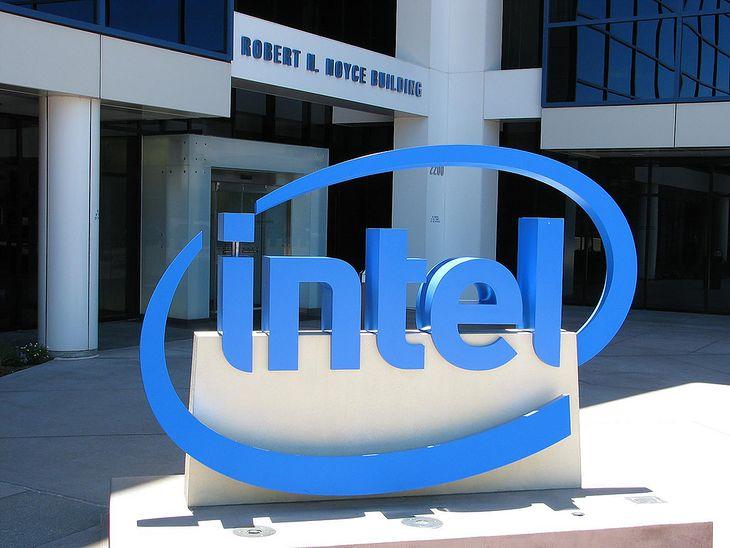 Intel (Fot. na lic. CC; Flickr.com/by huangjiahui)