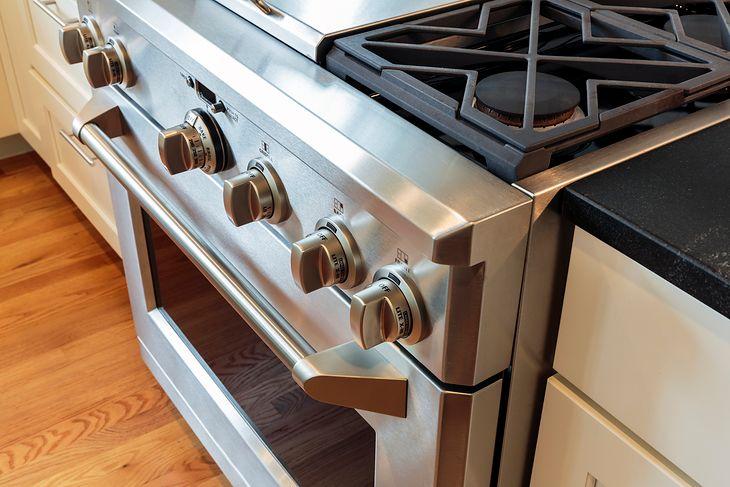 Kuchnie gazowe mogą mieć piekarnik gazowy lub elektryczny