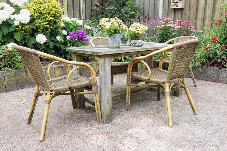 Meble do ogrodu i na taras powinny być nie tylko praktyczne, ale też ładne