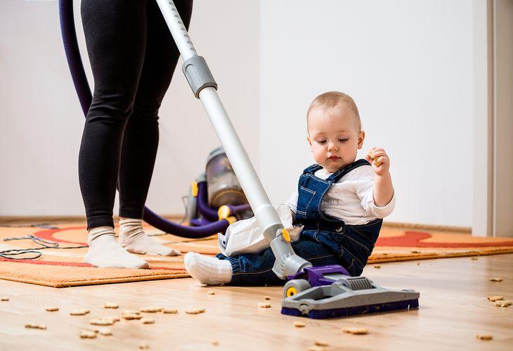 Odkurzacze cyklonowe świetnie radzą sobie z zatrzymywaniem kurzu, dlatego nadają się do domów, w których mieszkają małe dzieci