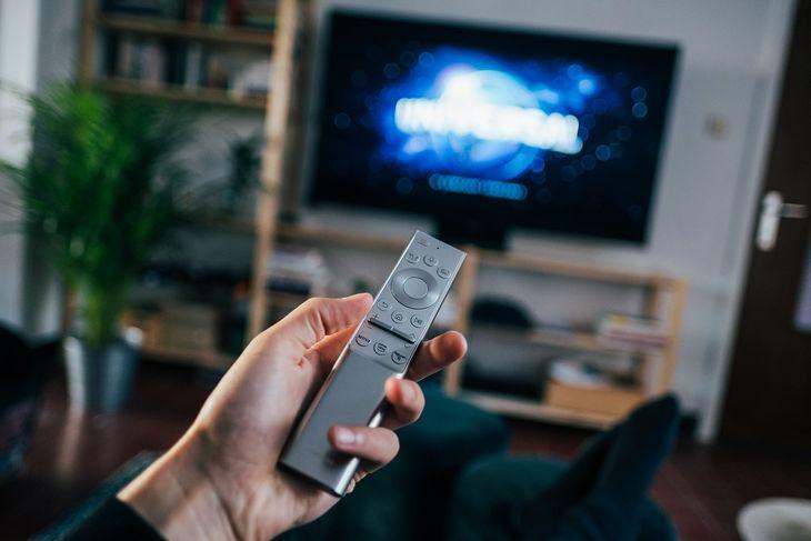 Jaki telewizor 32-cale kupić i czy warto?