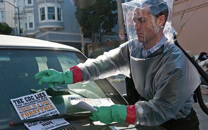 "Jude Law w filmie ""Contagion - Epidemia Strachu"""