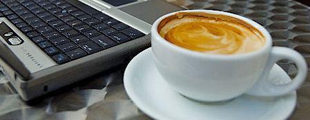 kawa i laptop
