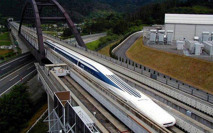Shinkansen L0