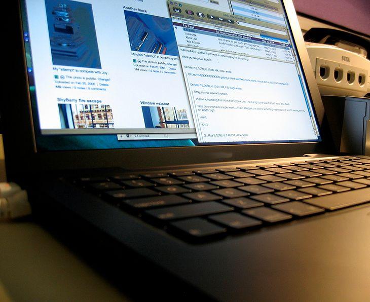 Jaki laptop do 3000 kupić? (fot. na lic. CC; Flickr.com/by archie4oz)