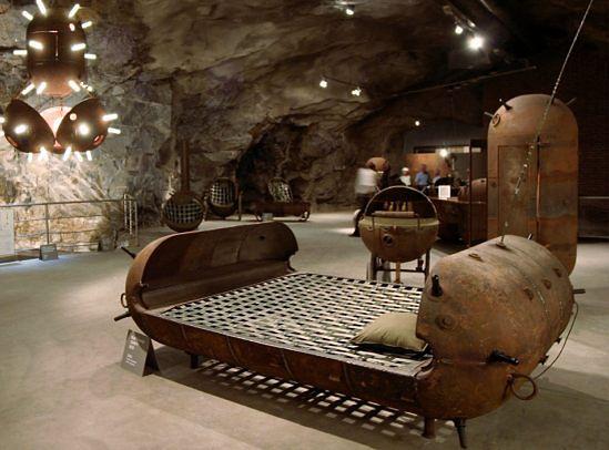 Mati Karmin - meble z min głębinowych