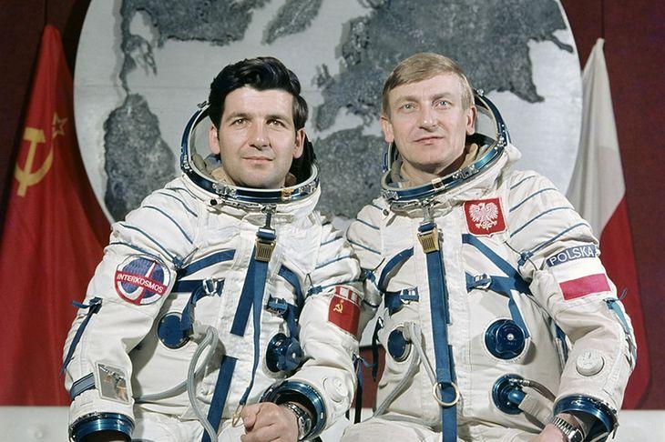 Piotr Klimuk i Mirosław Hermaszewski - załoga Sojuza 30