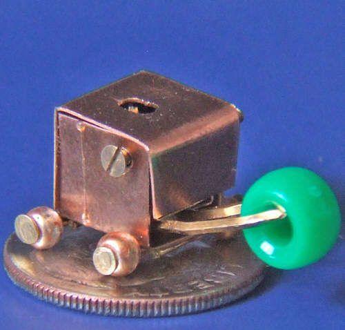 mikro-robot-chwytajacy