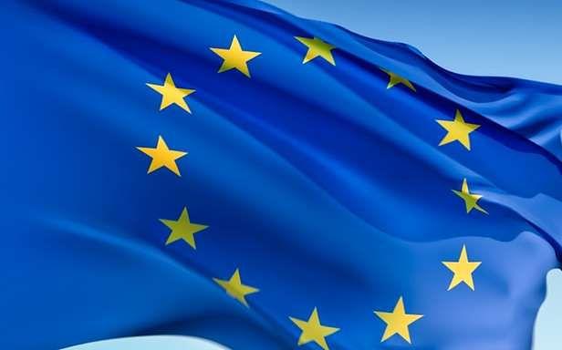 Komisja Europejska pomoże internautom (Fot. News.de)