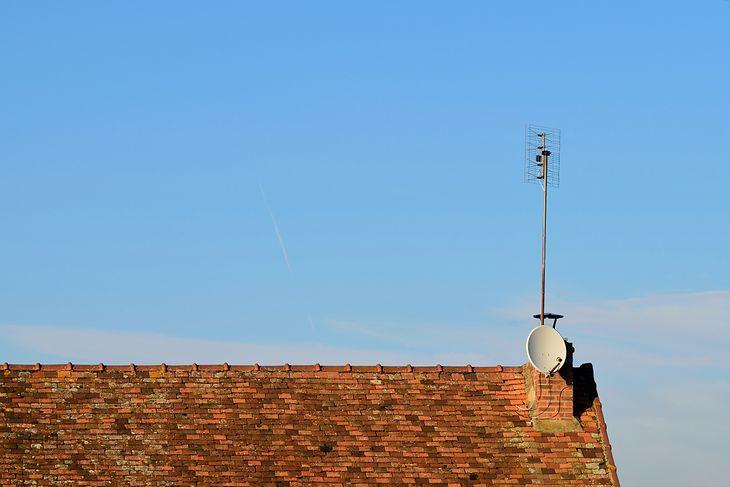 Antena na dachu