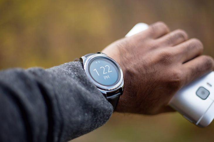 Jak uruchomić Facebook na smartwatchu?
