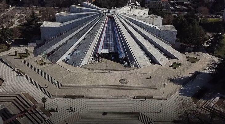 Piramida w Tiranie.