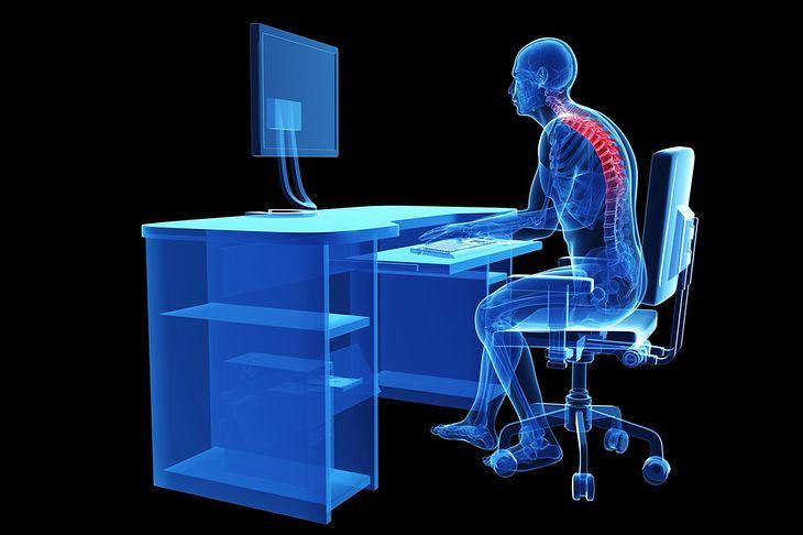 Grafika z użytkownikiem komputera pochodzi z serwisu Shutterstock