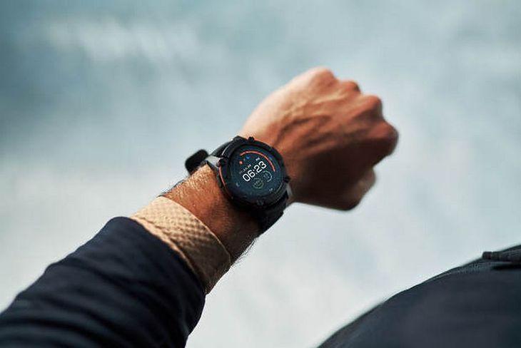 Smartwatch PowerWatch 2 - zegarek zasilany ciepłem ludzkiego ciała